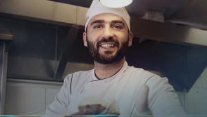 Chef Sírio abre o seu próprio negócio.